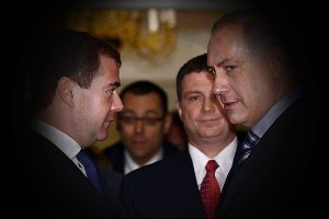 0215-Netanyahu-medvedev-russia-600_full_600