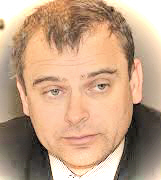 Miljonārs Kots, kurš šodien atsrādā parādu krievu šovinistiem nīdējot latviešu valodu un latviešu tautu