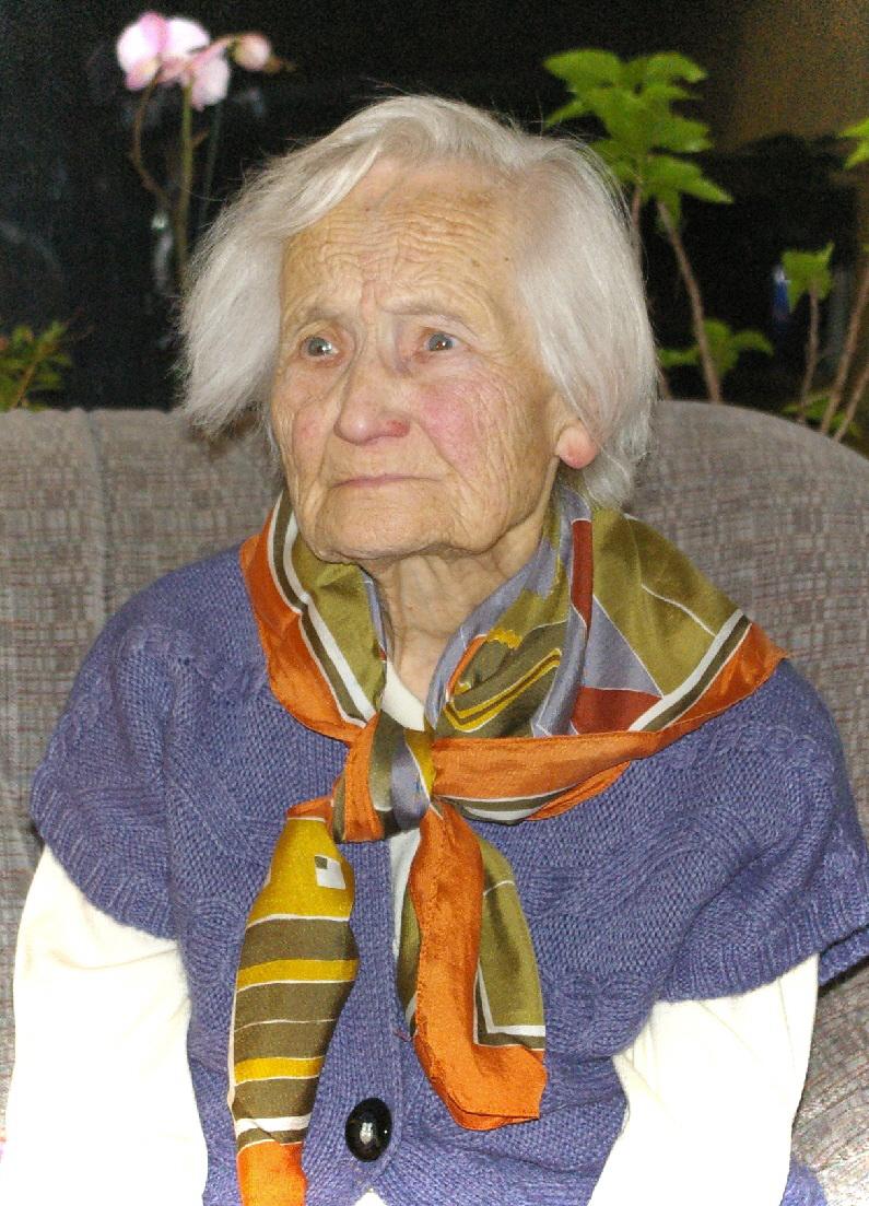Alužāna kundze. Sasniegts 101 gads.