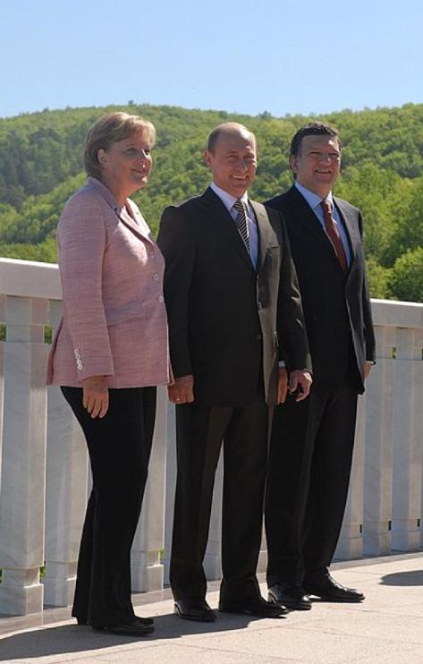 Merkele, Borroso, Putins